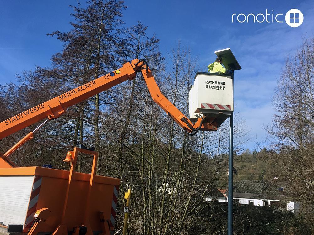 Ein-Mann-Montage Solarleuchte RONOTIC®